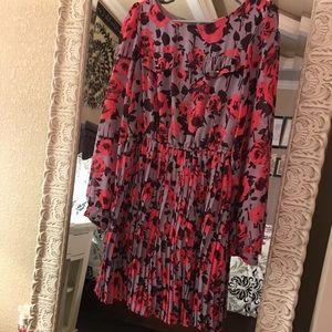 Xhiliration pleated dress